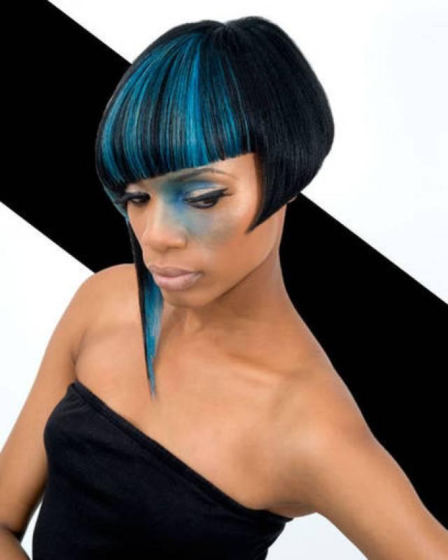Peinado asimétrico de media melena - Hype Coiffure