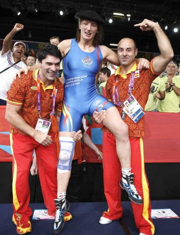 La española Maider Unda celebra el bronce logrado ante la bielorrusa Vasilisa Marzalyuk en Londres 2012.