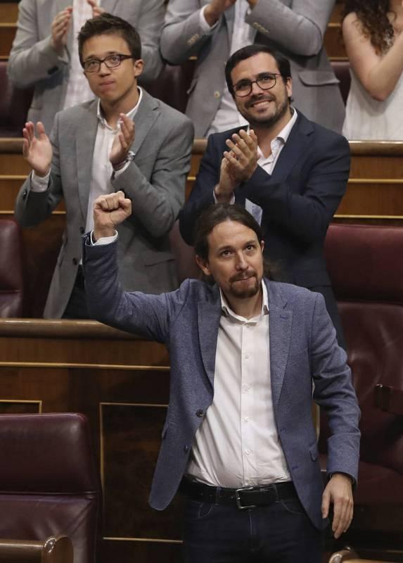 Iglesias recibe el apoyo de la bancada de Unidos Podemos