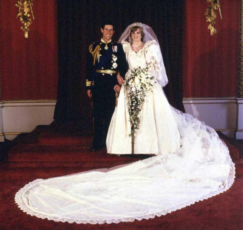Carlos de Inglaterra y Diana de Gales se casaron el 29 de julio de 1981