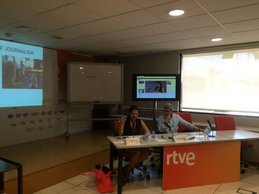 Comienza el curso sobre periodismo móvil de #OI2 con RTVE y la UAB, dirigido por el catedrático José Manuel Pérez Tornero y Laura Cervi