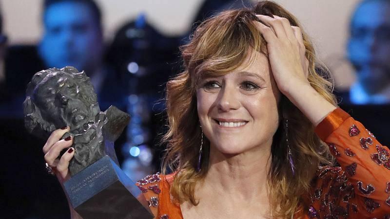 Emma Suárez, con su Goya a mejor actriz por 'Julieta'.