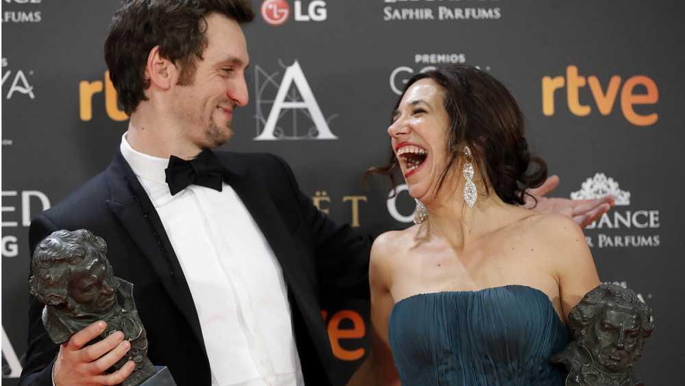 'Tarde para la ira' y 'Un monstruo viene a verme' se reparten la gloria de los Premios Goya
