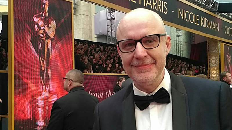 El español Juanjo Gimenez, director de 'Timecode', nominado al Oscar a mejor cortometraje, posa en la alfombra roja