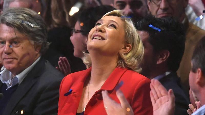 La candidata presidencial por el Frente Nacional frances, Marine Le Pen, en un mitin en París