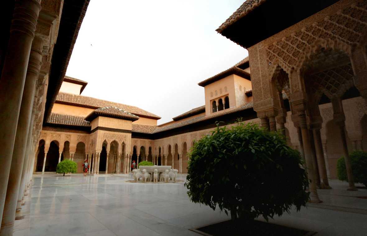 Guía de Granada siguiendo el rodaje de Carlos Rey Emperador