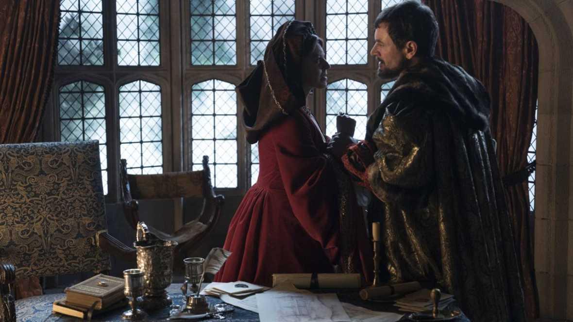 Catalina de Aragón es zarandeada con violencia por su marido durante una discusión