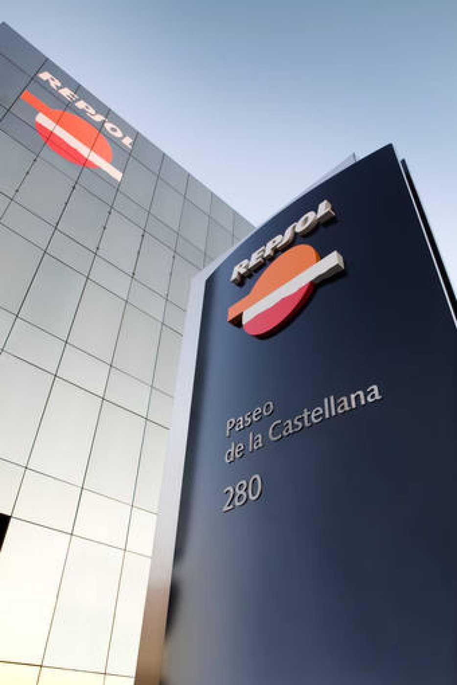 La petrolera repsol ypf gana millones de euros en el for Repsol oficinas