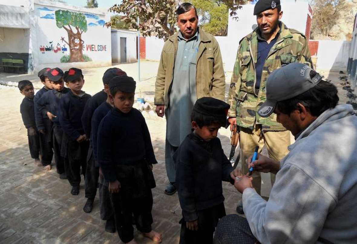 Mueren en un atentado otros dos vacunadores contra la - Tiempo en pakistan ...