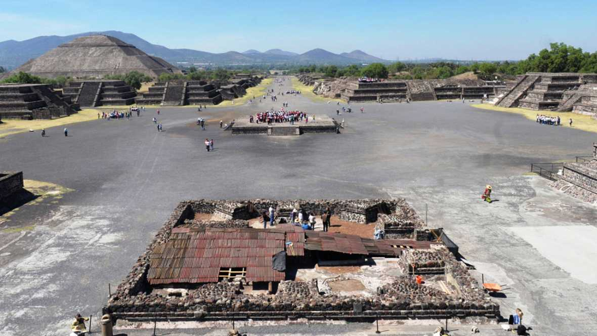 Teotihuacan fue una ciudad sagrada que perduró del siglo II a.C. al VII d.C en el centro de México.