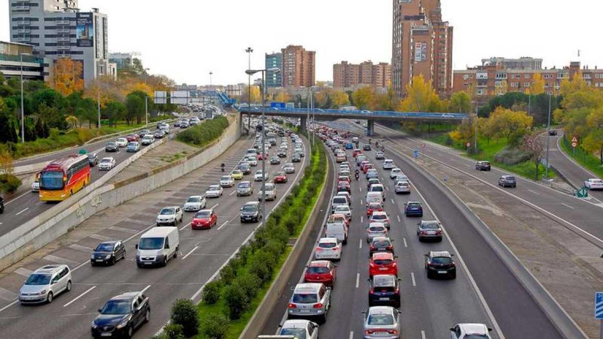 Madrid limita desde este jueves la velocidad en la m 30 y for Piscina municipal barrio del pilar