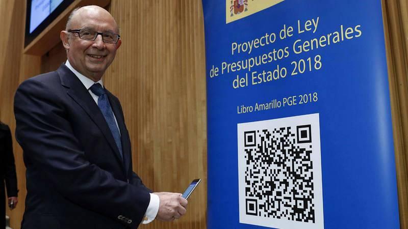 El ministro de Hacienda, Cristóbal Montoro, durante la presentación en el Congreso del proyecto de Presupuestos para 2018