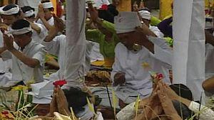 Fotograma de Otros pueblos - Fiestas - Galungan (Bali)