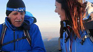 Noticia Edurne Pasabán y Kiko Veneno ascienden a la cumbre más alta de la península, el Mulhacén