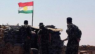 Miembros del peshmerga kurdo montan guardia en Sulaiman Perk, en Irak