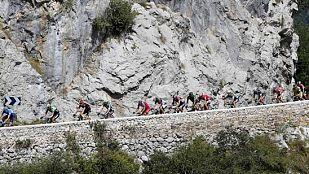 El pelotón de la etapa de la Vuelta