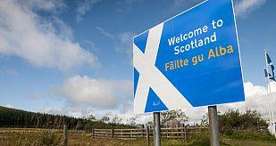 'Bienvenidos a Escocia', cartel en la frontera