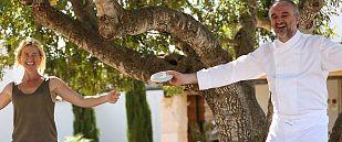 Jeroni Castells, dirige su restaurante en Ulldecona