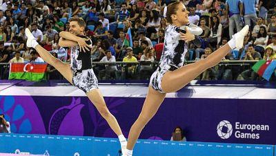 Vicente Lli y Sara Moreno ejecutan el ejercicio que les ha valido el oro en Bakú.