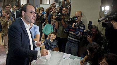 Ramón Espadaler en el momento de votar este domingo en las elecciones catalanas.