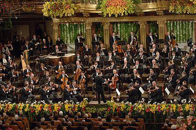 La Orquesta Filarmónica de Viena organiza el Concierto de Año Nuevo, que se emite unos 90 países