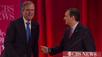 Imagen del pasado mes de febrero en la que aparece Jeb Bush (I) junto a Ted Cruz.