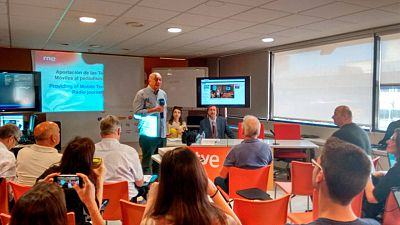 "Miguel Angel Martín da paso a las segundas jornadas de OI2 ""Mobile Journalism"""