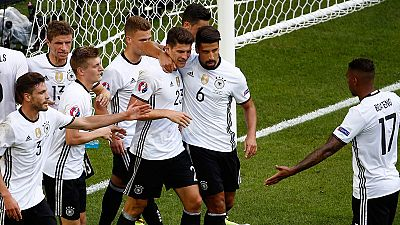 Alemania pasa a cuartos sin despeinarse