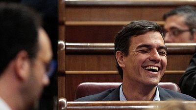 El exsecretario general del PSOE, Pedro Sánchez, durante el discurso de Antonio Hernando en el debate de investidura de Rajoy