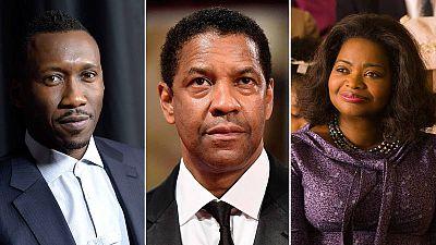 De izquierda a derecha, los actores mahershala Ali, Denzel Washington y la actriz Octavia Spencer