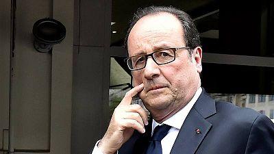 El presidente saliente de Francia François Hollande despues de votar
