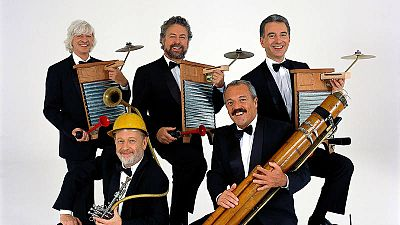 Les Luthiers, en su espectáculo 'Las obras de ayer' (2002)