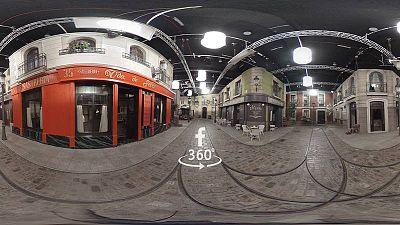 Descubre cómo es el decorado de la calle Acacias 38 con una visita virtual en 360º