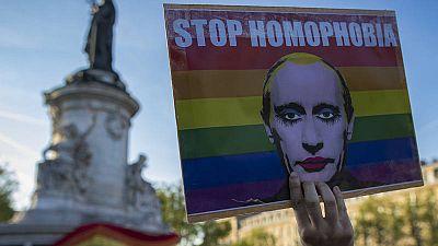 Manifestación en París contra los abusos en Chechenia y la homofobia rusa