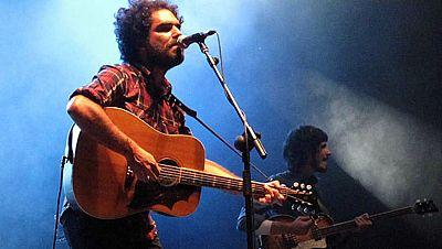 'Little Heart Attacks' en concierto