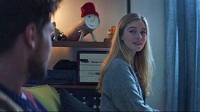 Fotograma del anuncio de Lotería de Navidad en el que se ve un Caga Tió