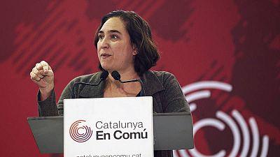La alcaldesa de Barcelona interviene durante la asamblea de Catalunya en Comú