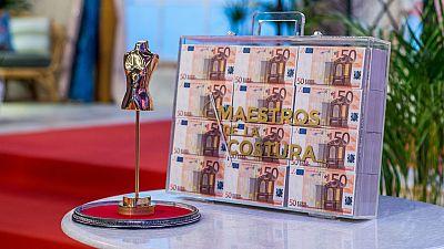 El trofeo y 50.000€