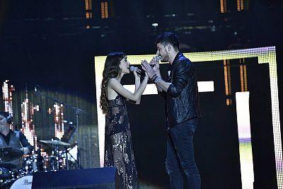 """Aitana y Cepeda cantan """"No puedo vivir sin ti"""" en el concierto de OT en Barcelona"""