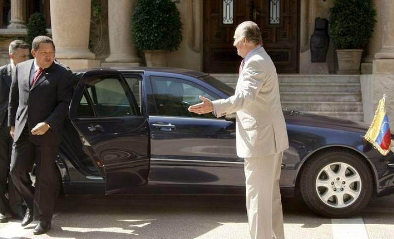 El Rey Don Juan Carlos ha recibido al presidente de Venezuela en el Palacio de Miravent, en un gesto de reconciliacióin tras el polémico '¿por qué no te callas?'.