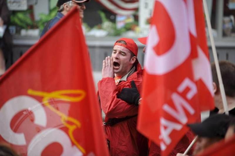 Trabajadores se manifiestan en Lille