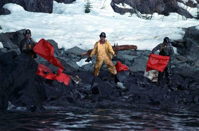 """En el año 1989 se producía el vertido del petrolero """"Exxon  Valdez"""" en aguas de Alaska"""