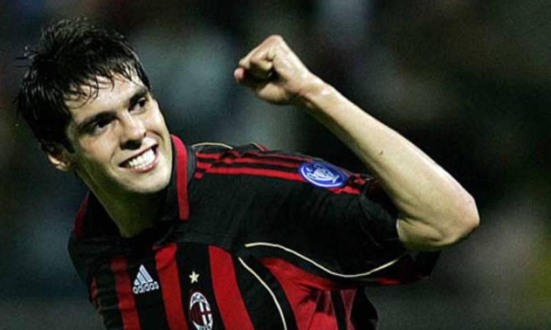 Kaká celebrando un gol con su ex equipo, el Milán.
