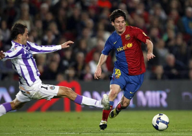 Muchas veces la única manera de frenar a Messi es en falta