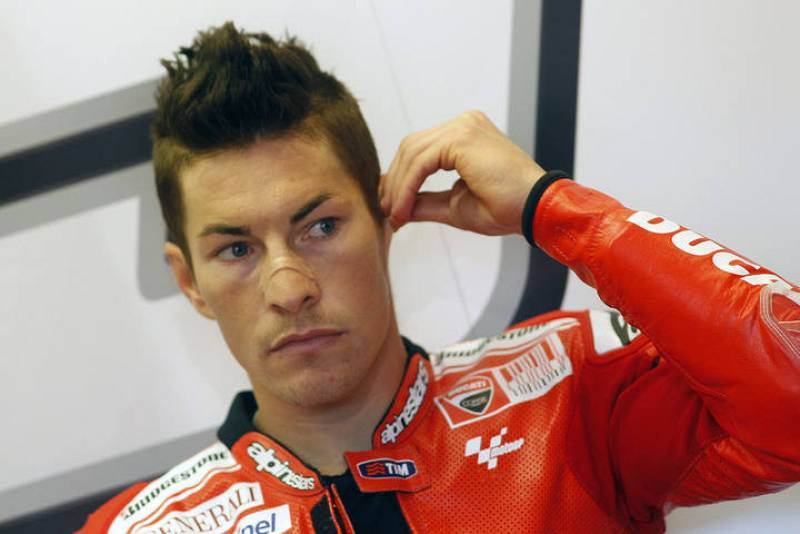 Nicky Hayden, dentro de su box.