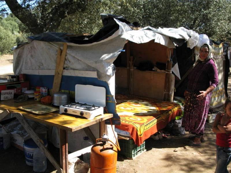 """Al lado de esta cocina, una de las familias tiene sus """"dormitorios"""""""