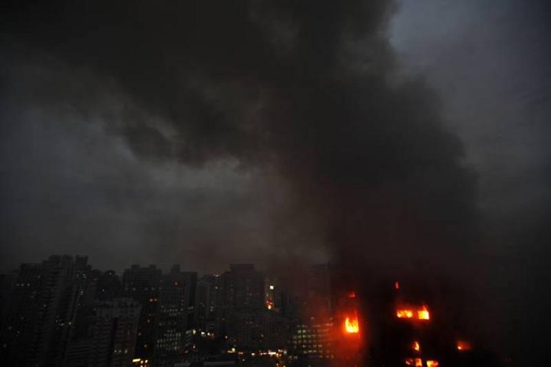 El incendio ha afectado a un bloque de apartamentos de 28 plantas