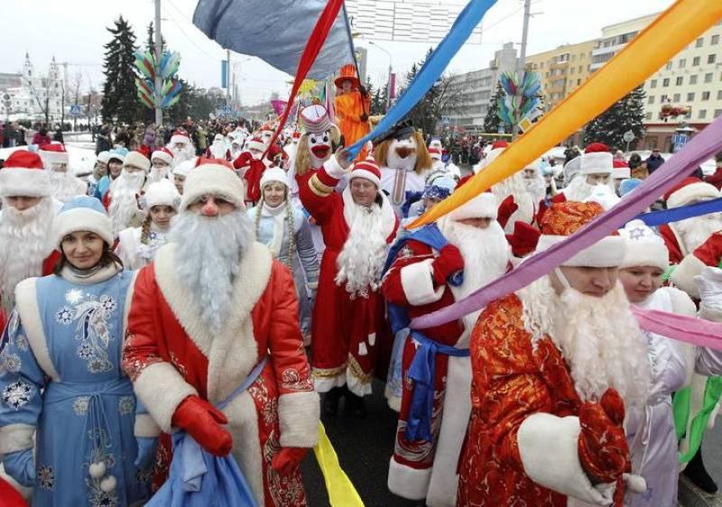 Vestidos de Papa Noel en Bielorrusia