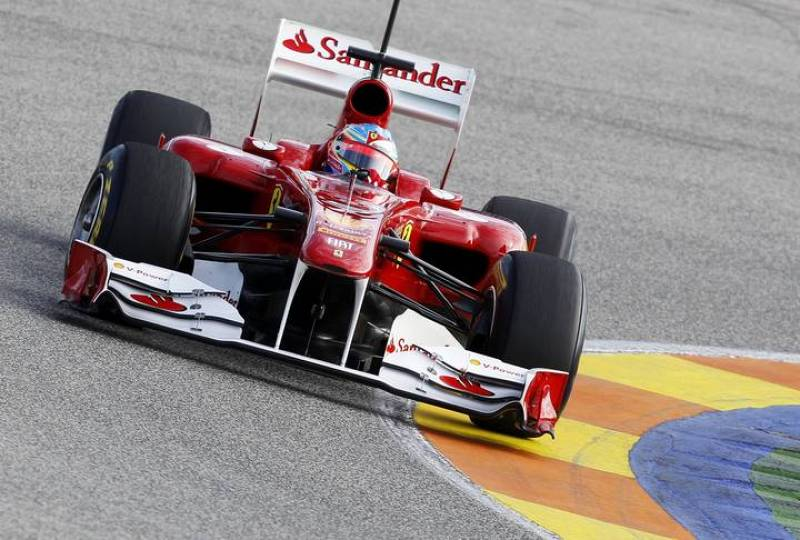 El Ferrari de Alonso, el F150, durante los entrenamientos de Cheste.