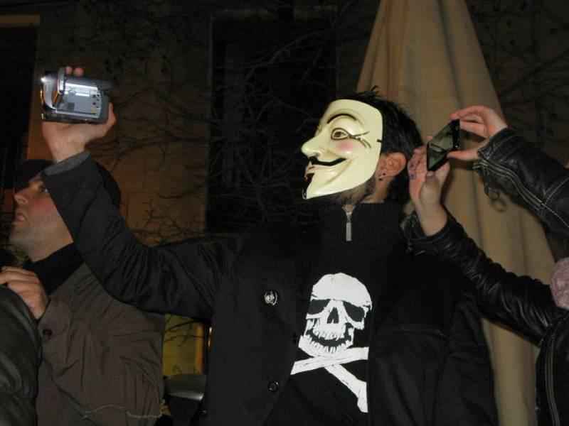 Los manifestantes grabaron en vídeo la 'Operación Goya' y portaron muchos símbolos como la calavera pirata